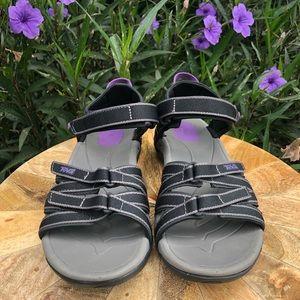 Like new Teva Tirra sandals purple & black 7